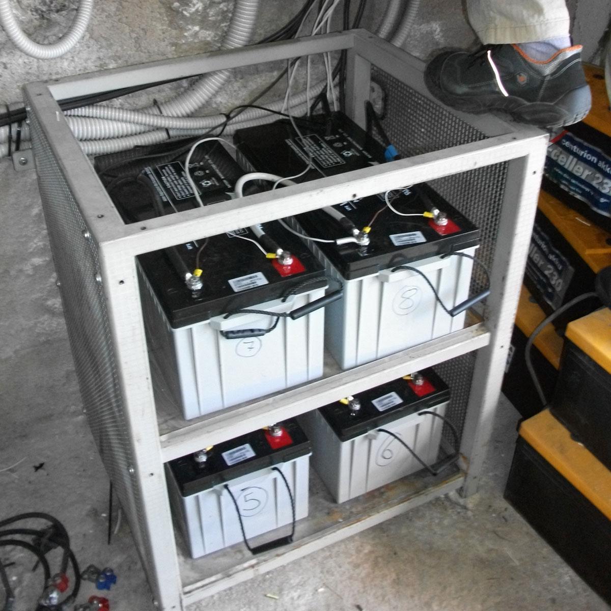 batterie-fotovoltaico-rifugio-1.jpg